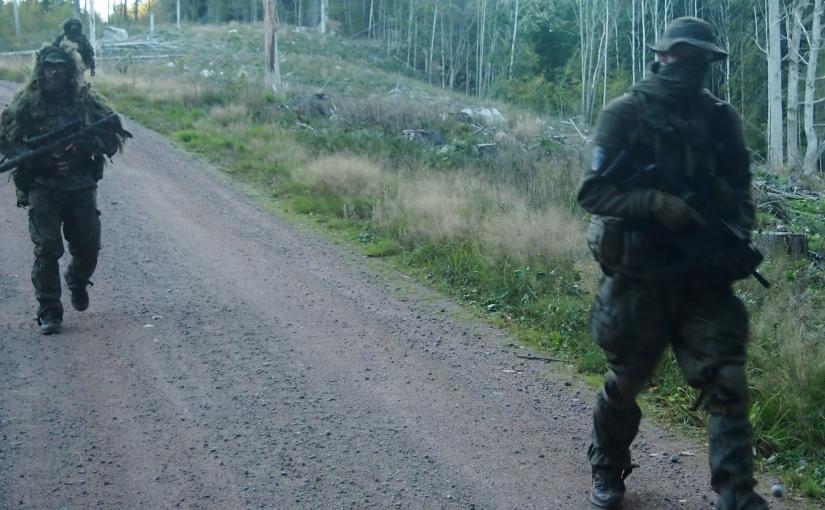 Mehr Soldaten kommen / Käse in zu großen Portionen / Erste Wohnwagen-Dämmung [Tag 9]